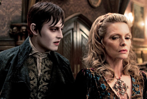 Dark Shadows - Movie Photo