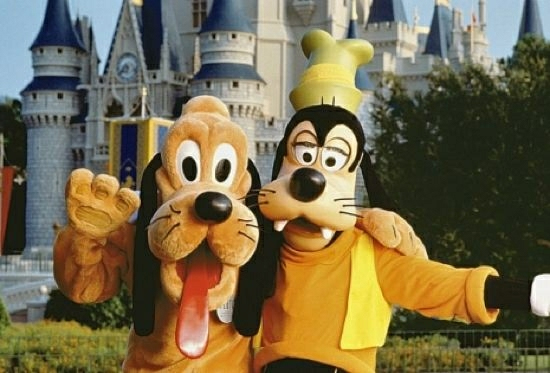 Goofy vs. Pluto